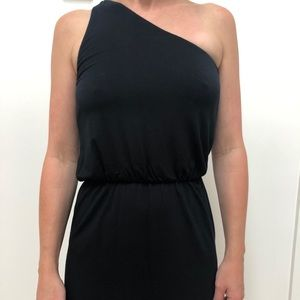 One should soft and easy to wear pre-owned dress.